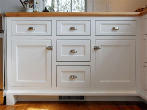 Shaker Doors For Kitchen Cabinets White Kitchen Cabinets Shaker Door Style Cabinet Contemporary White Kitchen Cabinets