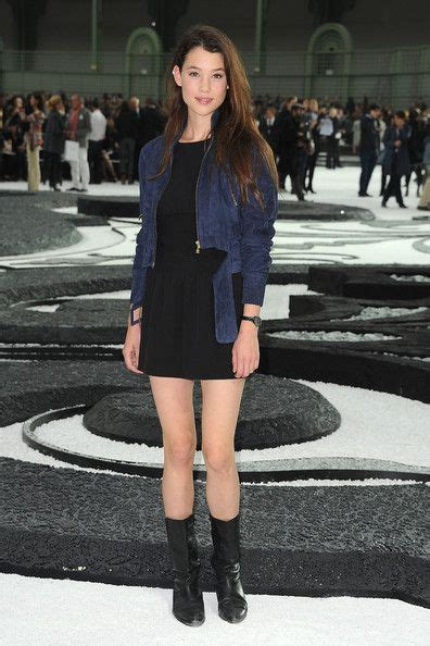 astrid berges frisbey street style astrid berges frisbey in chanel photocall paris fashion