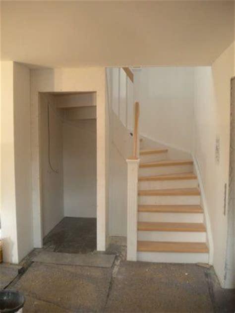 speisekammer unter der treppe die besten 25 stauraum unter der treppe ideen auf