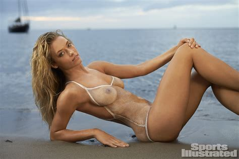 hannah ferguson sports illustrated 2014 body paint hannah ferguson 2014 swimsuit bodypaint gallery si com