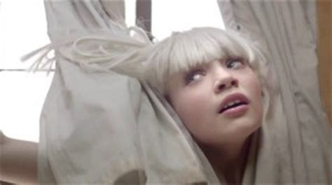 A Flawless Representation Of Music Sia S Chandelier Sia Chandelier Text