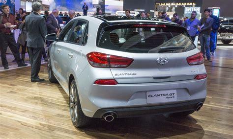 hyundai elantra hatchback reviews hyundai elantra hatchback review autos post
