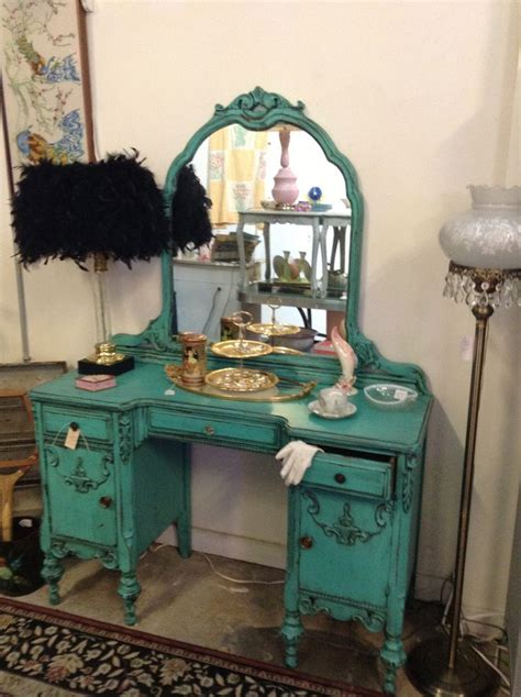 fun  turquoise teal vanity    pinterest turquoise lamps  vanities