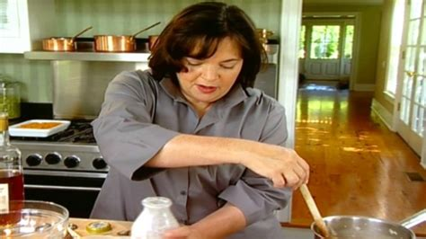 ina garten s homemade make ahead gravy everyday cooking adventures watch ina s classic homemade gravy food network uk