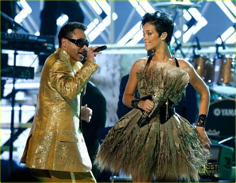 Rihanna In Post Grammys Car Crash by Sized Photo Of Rihanna Car Crash 24 Photo 924981