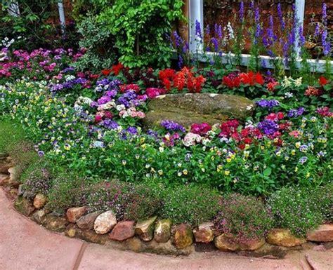 Garten Gestalten Mit Blumen Und Steinen by 1001 Ideen Zum Thema Blumenbeet Mit Steinen Dekorieren
