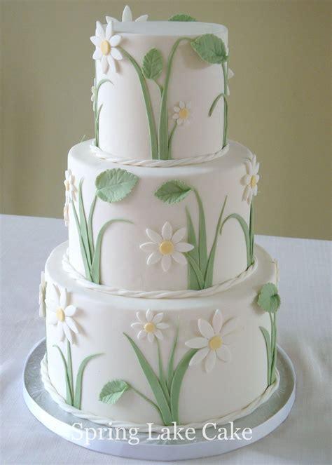 Daisy Wedding Cake   a small wedding cake, 4/6/8 inch