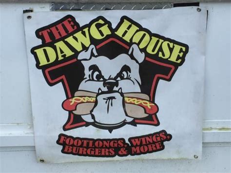 the dawg house buford photo0 jpg picture of the dawg house famous footlongs
