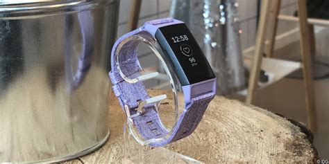 Fitbit Charge 3 Iphone Xr by Fitbit Charge 3 Robuster Fitnesstracker Ohne Schnickschnack Macwelt