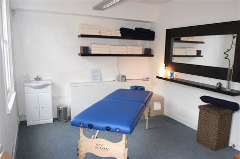 therapy room rehabilitation clinic walenstadtberg therapy rooms to rent in london islington clinic central