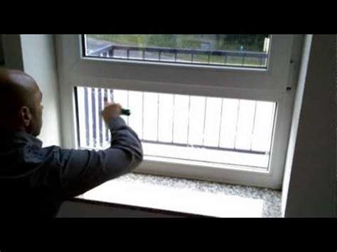Sichtschutzfolie Auf Fenster Anbringen by Www Folienmarkt De Sichtschutzfolien Montageanleitung