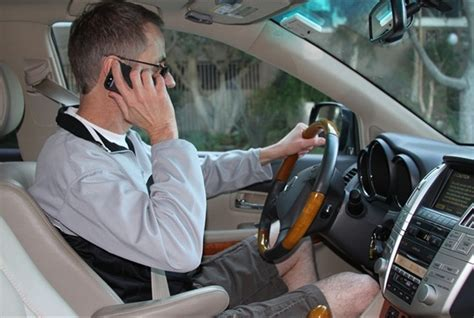 nh house passes handheld cell phone ban  drivers safety accident automotive fleet