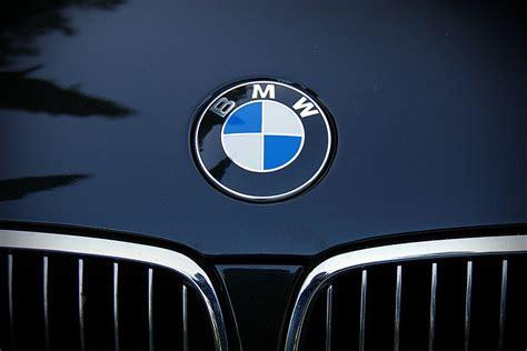 bmw front emblem kostenloses foto bmw auto automarke bmw emblem