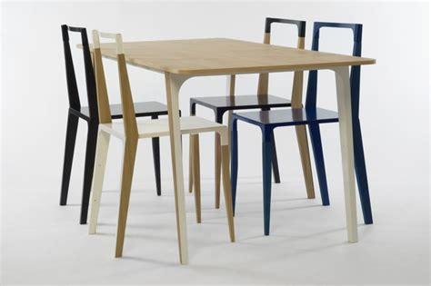 mesa  sillas de madera minimalistas