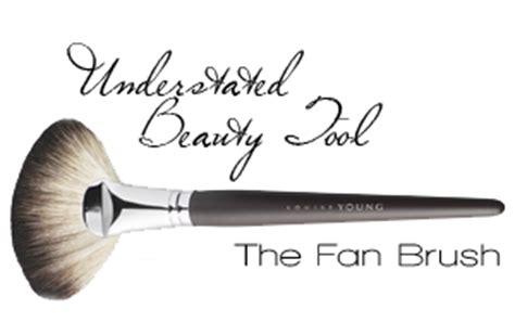 how to use a fan brush how to use a fan brush