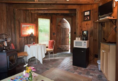 tiny house for rent airbnb tiny house rentals the best of airbnb