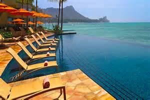 Sheraton Waikiki Infinity Pool 21 Of The World S Coolest Infinity Pools Intheswim Pool