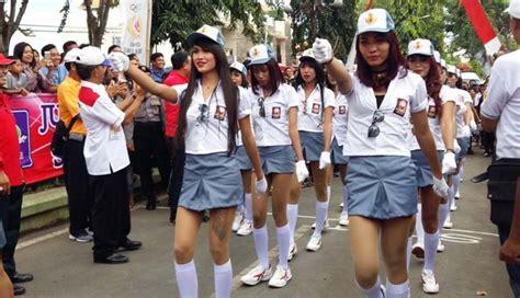 Seragam Gerak Jalan Nusabali Masyarakat Favoritkan Gerak Jalan Waria