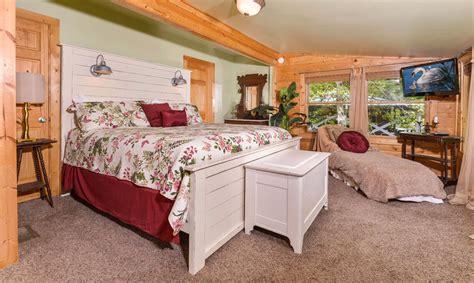 11 Bedroom Cabins In Gatlinburg by Gatlinburg Cabin Rentals Simones Cottage