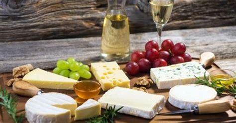 Formidable Deco Maison En Pierre #7: La-ronde-des-fromages-de-noel-46656-1200-630.jpg