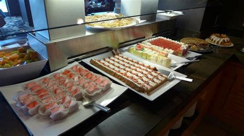 デザート 2 Picture Of Fallsview Buffet Niagara Falls Fallsview Buffet Restaurant Prices