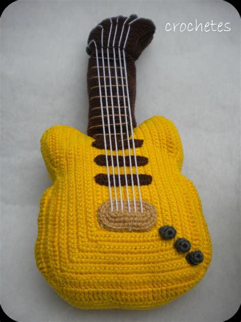 amigurumi guitar pattern crochetes mu 241 ecos tejidos crochet toys crochet dolls 4