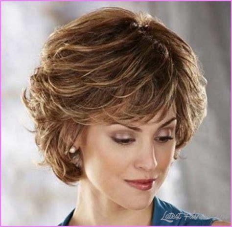older women layered hairstyles layered hairstyles older women latestfashiontips com