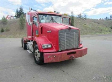 kenworth t800 conventional sleeper semi truck 2001