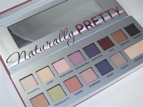 it cosmetics naturally pretty matte palette it cosmetics the romantics palette giveaway musings of a