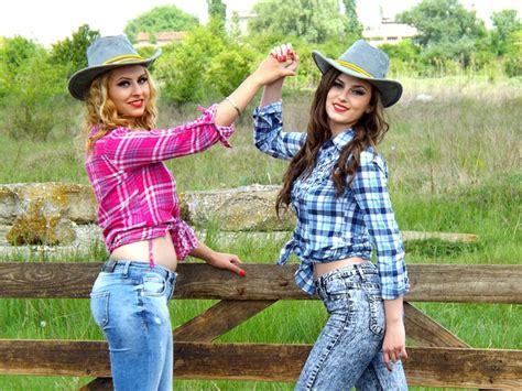 imagenes amigas vaqueras foto gratis vaquera el salvaje oeste mujeres imagen
