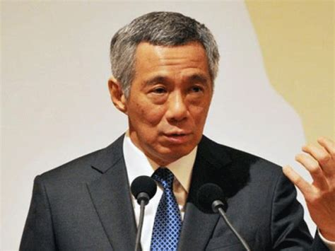 singapore pm lee hsien loong shares grief after death of singapore pm feuds in public with sister the express tribune