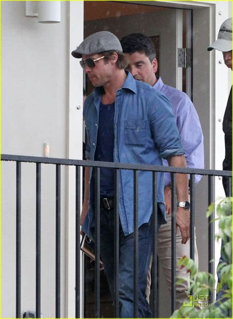 Background Check New Orleans Brad Pitt Checks Up On New Orleans Photo 2475883 Brad Pitt Pictures Just Jared
