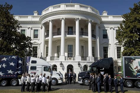 trump white house residence rigged president turns 18 wheeler into a trump truck