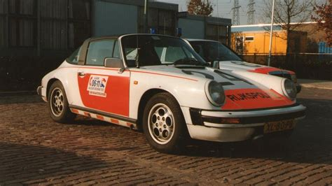 police porsche 1989 porsche 911 targa carrera police car goes to auction