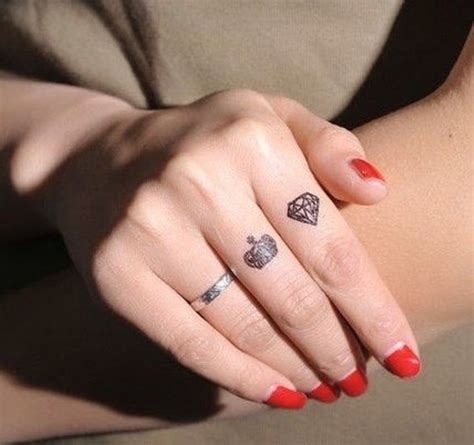 diamond tattoo on finger 45 crown finger tattoos ideas
