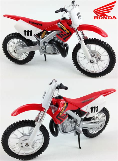 motocross cast honda cr250 1 18 die cast motocross 2 stroke mx model