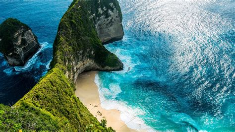 The Best Font For Resumes by Manta Bay Or Kelingking Beach On Nusa Penida Island Bali