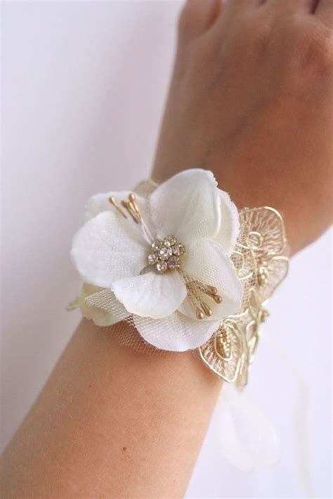how to make flower bracelets with 25 best ideas about bracelet corsage on wrist