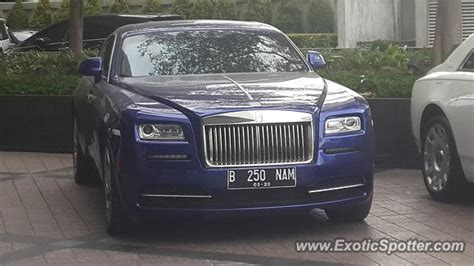 roll royce indonesia rolls royce wraith spotted in jakarta indonesia on 11 05 2017