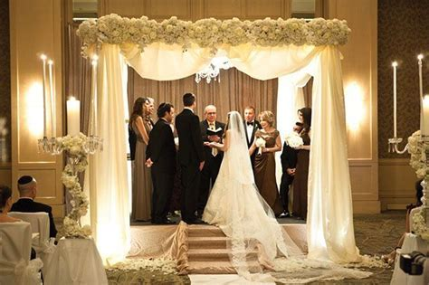 Best 25  Altar decorations ideas on Pinterest   Wedding