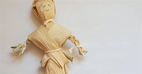corn husk doll no make a corn husk doll pink stripey socks