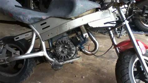 Razor Mini Elektro Motorrad Pocket Rocket by How To Remove 47cc Pocket Bike Engine From Frame Youtube