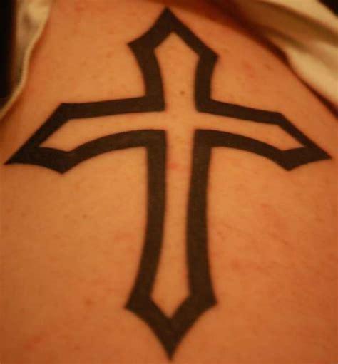 cross tattoo on right shoulder cross right shoulder tattoo