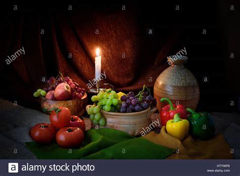 candela accesa candela accesa ancora vita fotografia di frutta e verdura