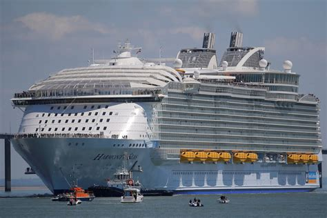 largest cruise ship being built this 1 billion monster is the largest cruise ship ever
