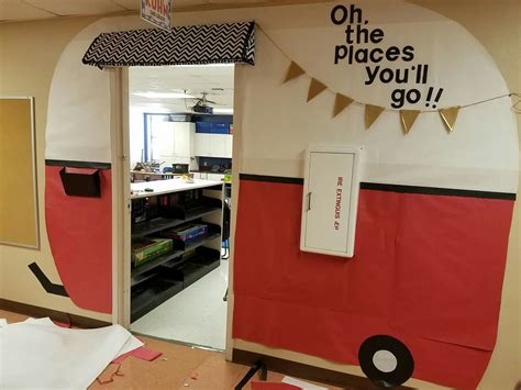 Bulletin Board Design For Home Economics by Teacher Decorated Classroom Door For The Kids