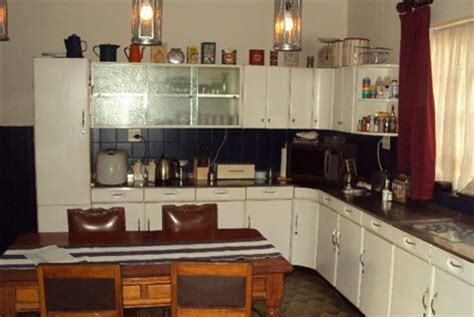 restoring an old kitchen in a 1925 home lance fraser home dzine home improvement restore an older home