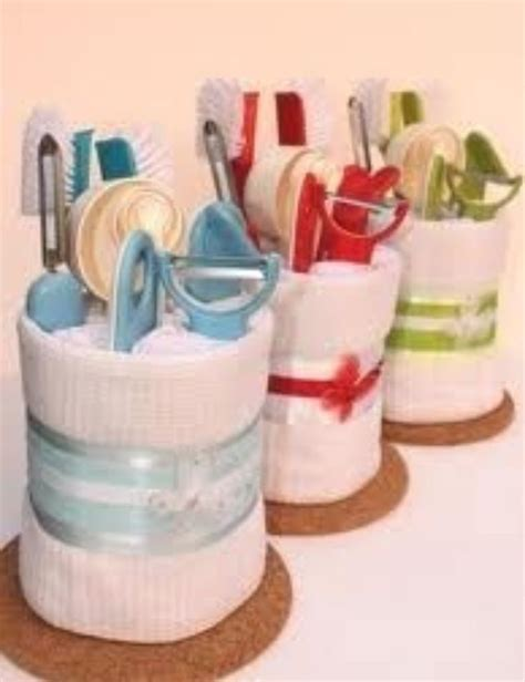 gift ideas for kitchen tea 25 best ideas about bridal shower prizes on pinterest