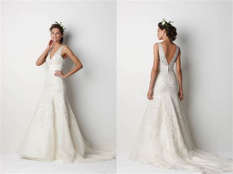 romantic  neck lace wedding dress  deep