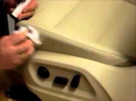 Lederpflege Beige Autositze by Leder Richtig Reinigen Doovi